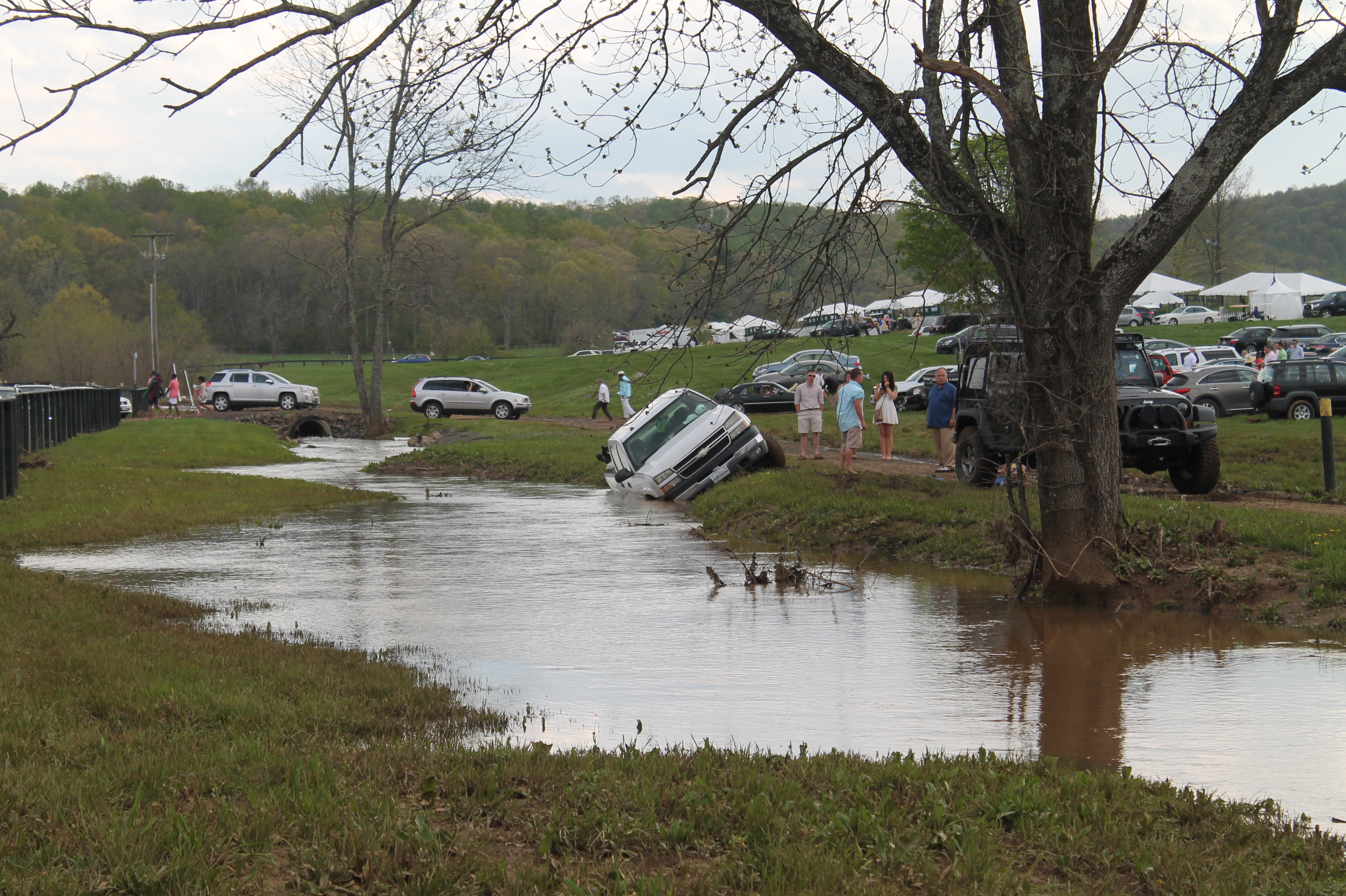 Virginia_Gold_Cup_Plains_Parking_2014