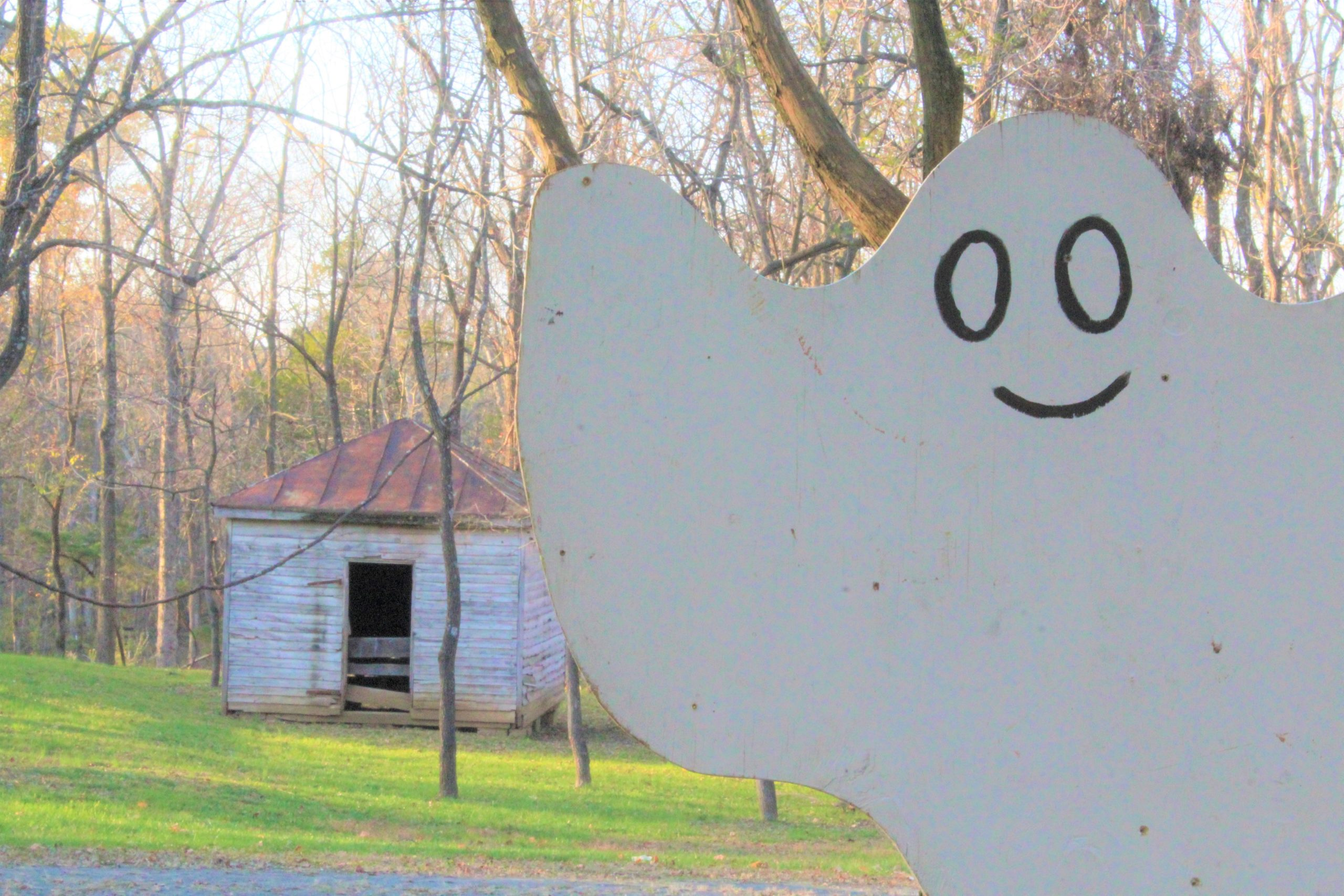 Colonial Roads photo of ghost at Ticonderoga Farm autumn event
